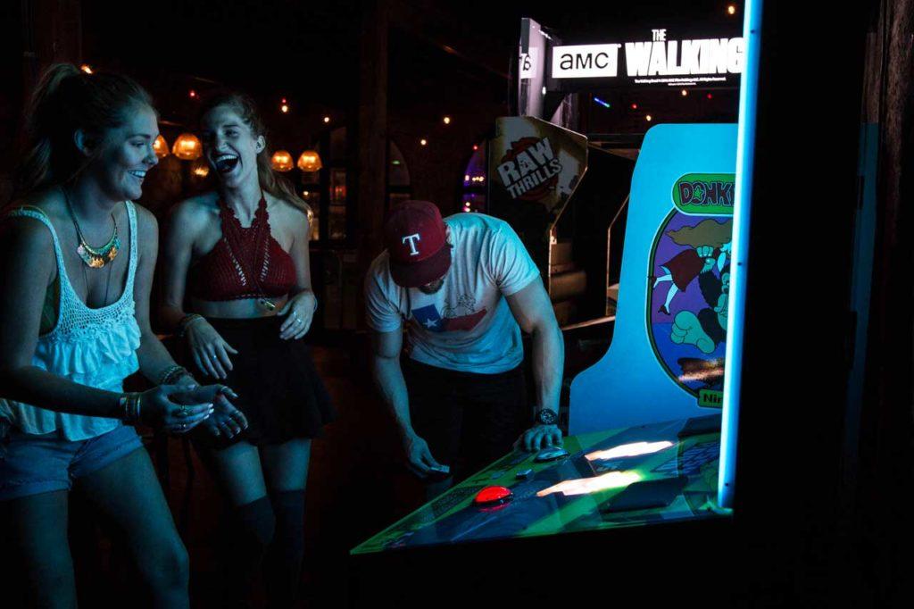 Bar Partners - Crossy Roads Game